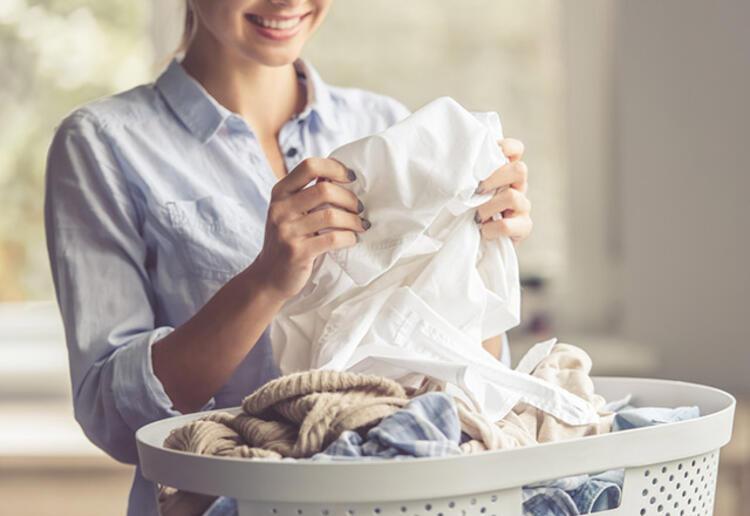 Giysilerinize zarar veren 9 yıkama hatası