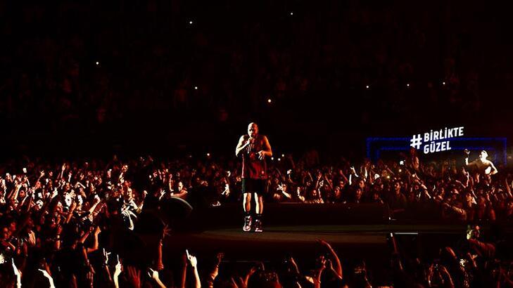 Ben Fero, yılın en büyük ve son konseri için Volkswagen Arena'daydı