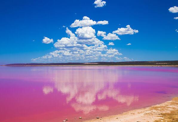 Büyüleyici pembe göller